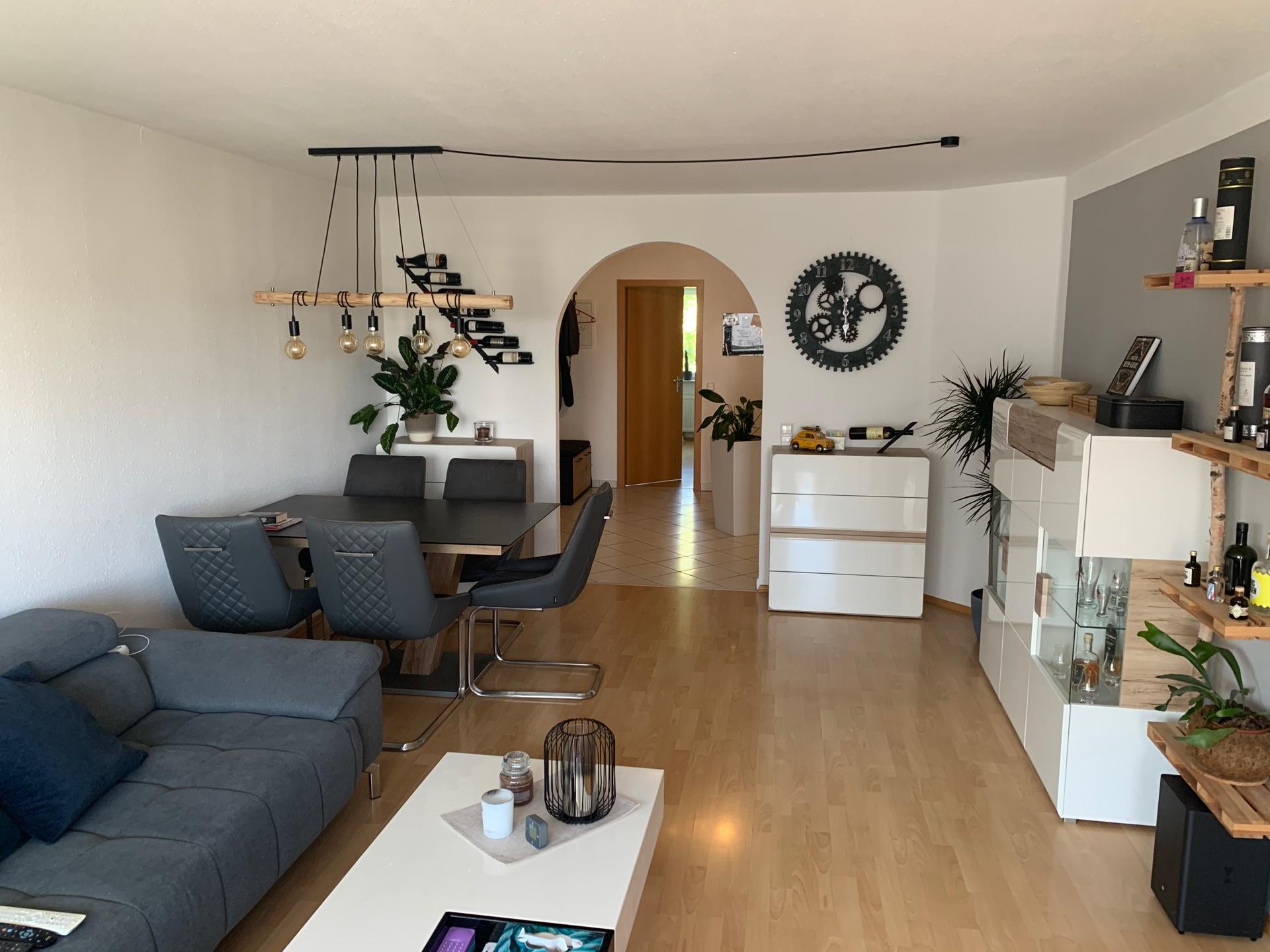 sonnige 3,5 Zimmer Wohnung mit Südbalkon in Ludwigsburg- Poppenweiler